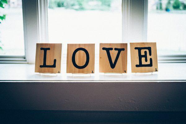 Love, love me do…